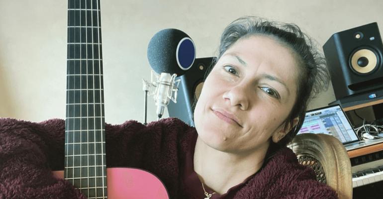 Elisa e Tommaso Paradiso cantano Andrà Tutto Bene, il singolo da isolamento – audio