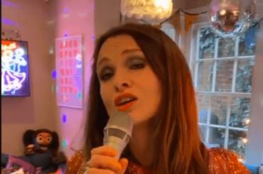 Sophie Ellis-Bextor, nuovo live disco da casa – video
