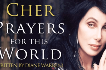 Cher, arriva il singolo di beneficenza: sarà una nuova versione di PRAYERS FOR THIS WORLD?