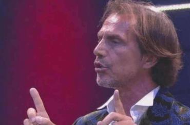 """Antonio Zequila la tocca piano: """"I miei 23 cm hanno sempre fatto parlare"""""""