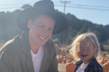Coronavirus, Pink positiva insieme al figlio di 3 anni: l'hanno sconfitto e ora dona 1 milione di dollari