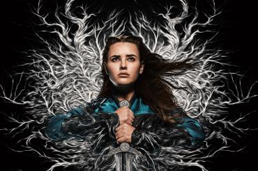 Cursed, prime immagini dalla nuova serie fantasy Netflix con Katherine Langford di Tredici