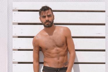 Mario Serpa, ravanata social tra le mutande – il video IG