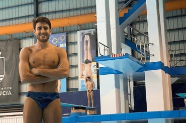Giovanni Tocci, è pacco Intimissimi per il tuffatore azzurro – le foto social