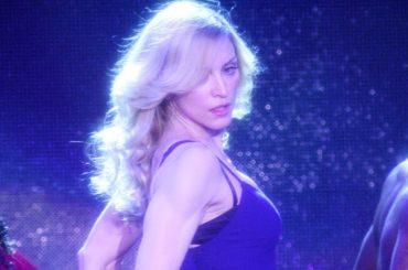Madonna pubblica a sorpresa il live inedito di Hung Up dal Coachella 2006 – video