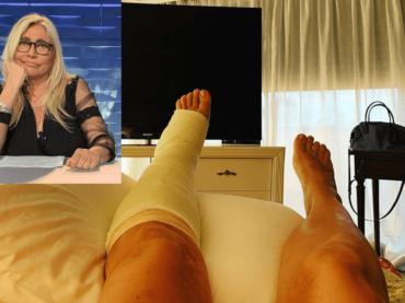 """Mara Venier conferma, """"mi sono fratturata il piede, olè"""""""