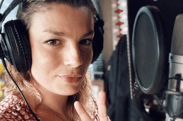 Emma Marrone torna in studio di registrazione, la foto social