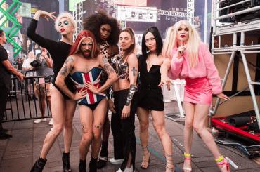 Melanie C, live di High Heels e Say U'll be there a sostegno del Pride – video