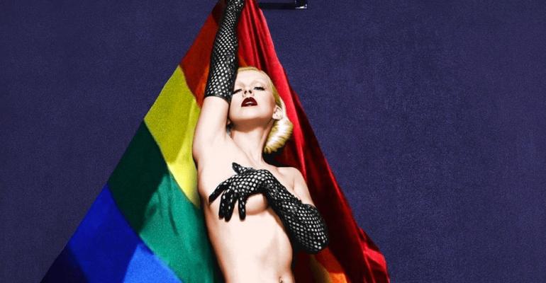 Christina Aguilera rainbow per celebrare il Pride, le foto social