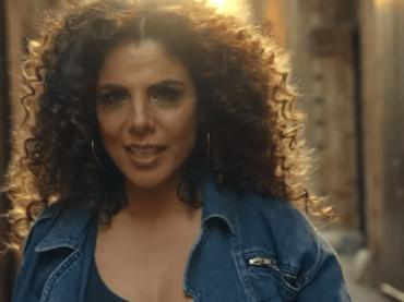 MIETTA canta SPRITZ CAMPARI, il video ufficiale