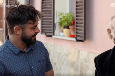 Zac Efron in Sardegna per scoprire il segreto della longevità, il video