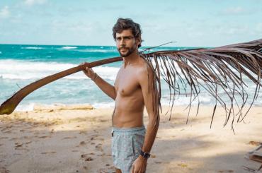 Alvaro Soler in costume, le foto social
