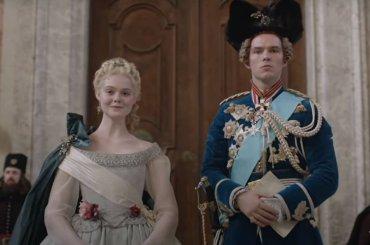"""""""The Great"""", Hulu rinnova per una seconda stagione l'esilarante serie con Elle Fanning e Nicholas Hoult"""