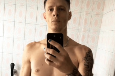 Boss Doms nudo su Instagram, la foto