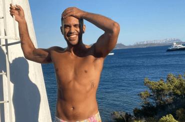 Mahmood nudo, la foto social