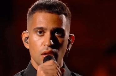 Mahmood da urlo con Dorado ai Seat Music Awards 2020 – video