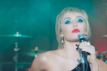 Fantastica Miley Cyrus da Jmmy Fallon con Midnight Sky e Maneater, il video