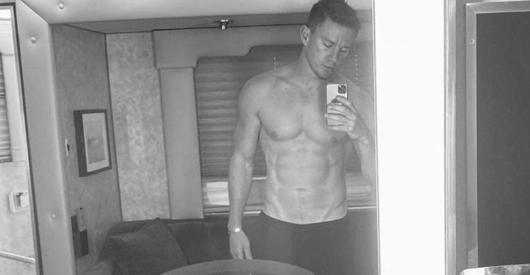 Channing Tatum torna a spogliarsi ed è più in forma che mai, la foto social
