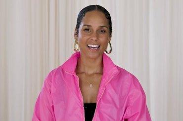 Alicia Keys canta Whitney Houston, Prince e Aretha Franklin per ELLE – video