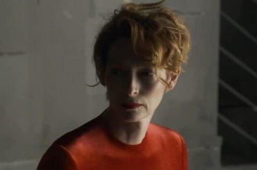 The Human Voice, il meraviglioso poster del corto di Pedro Almodovar con Tilda Swinton