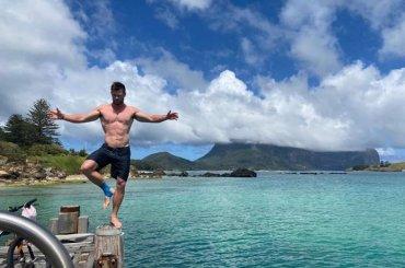 Chris Hemsworth  gnagno in vacanza con i fratelli, le foto social