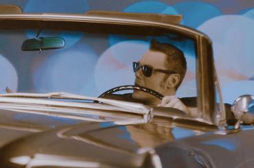 Tiziano Ferro, E Ti vengo a Cercare di Battiato nuovo singolo – arriva il video