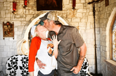 Gwen Stefani sposa Blake Shelton, l'annuncio social