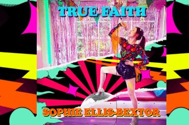 Sophie Ellis-Bextor canta True Faith dei New Order e sforna il video di Crying At The Discotheque