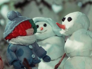Snowman, un dolcissimo video natalizio in stop motion per Sia