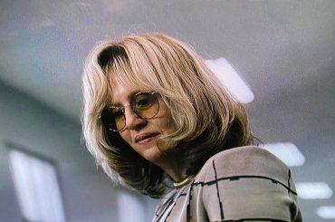American Crime Story: Impeachment, Sarah Paulson è Linda Tripp nella prima foto dal set