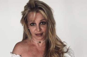"""Britney Spears cancella Instagram: """"mi prendo una piccola pausa per festeggiare il mio fidanzamento"""""""