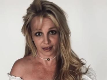 """Britney Spears è stata vaccinata: """"non ho sentito niente, sto bene"""" – video"""
