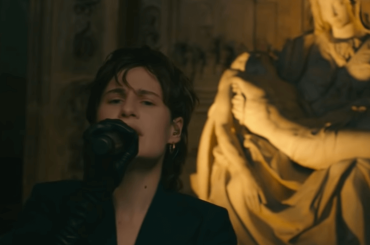 "Christine and the Queens, live da urlo al Late Late Show con ""People, I've been sad"" – video"