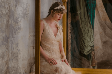 "Incredibile Taylor Swift, stanotte esce il nuovo album: ""evermore"" – ""willow"" primo singolo"
