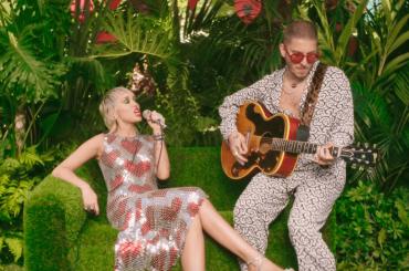 Miley Cyrus, super live di Plastic Hearts – video