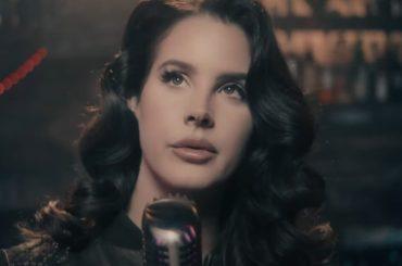 """Lana Del Rey vs. Donald Trump: """"un folle, specchio di un mondo sociopatico e narcisista"""""""