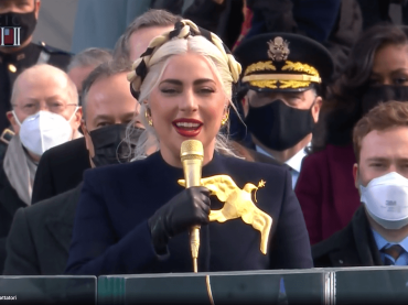 Inauguration Day 2021, Lady Gaga canta l'inno nazionale USA – video