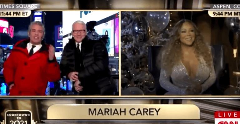 Mariah Carey intervistata dalla CNN durante il concerto di Jennifer Lopez, il video è virale