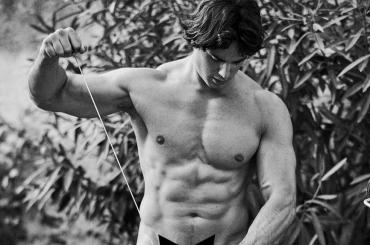 Pietro Boselli, ancora nudi per Yummy – le foto