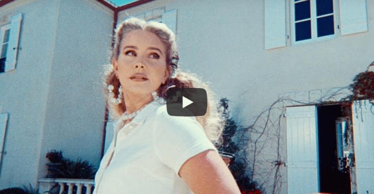 """""""Chemtrails Over The Country Club"""", ecco il nuovo video di Lana Del Rey (e la data d'uscita dell'album)"""