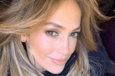 """Jennifer Lopez: """"Mai fatto interventi chirurgici e botox. Questa è solo la mia faccia"""""""