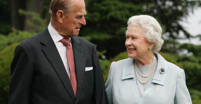 La regina Elisabetta II e il principe Filippo sono stati vaccinati contro il Covid-19