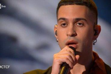 Mahmood, primo live tv acustico e (con stecche) di Inuyasha a Che Tempo che Fa – video