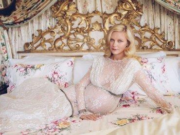 Kirsten Dunst è incinta, la foto con il pancione sulla cover di W
