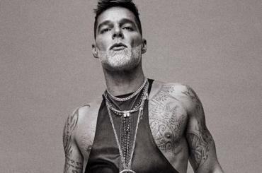 Ricky Martin  papà leather per  Schön – le foto
