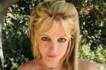 """Britney Spears invia un messaggio ai fan """"preoccupati per la mia vita"""" – VIDEO"""