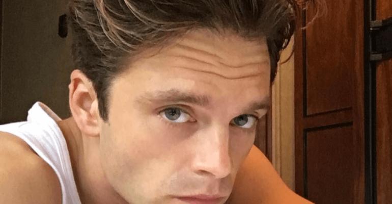 Sebastian Stan nudo in strada, la foto social del Soldato d'Inverno Marvel