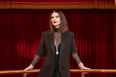 """David 2021, Laura Pausini: """"Sono italiana e mi cago sotto in Italia"""" – video più live di """"Io Sì"""""""