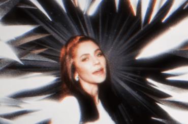 Ancient Dreams In A Modern Land, ecco il nuovo video di Marina