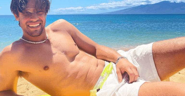 Cameron Dallas, nuovo tuffo tutto nudo dalla barca – il video IG